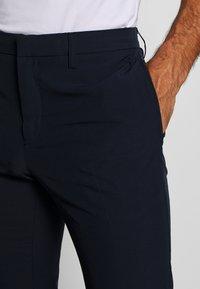 Cross Sportswear - BYRON SOLID - Kalhoty - navy - 3