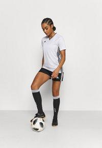 adidas Performance - SQUADRA - Träningsshorts - black/white - 1