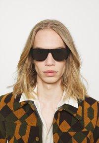 Gucci - Sluneční brýle - havana/green - 0