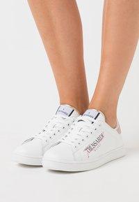 Trussardi - GALIUM - Zapatillas - white/pink - 0