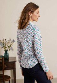 Boden - DAS NEW CLASSIC - Button-down blouse - naturweiß, vogelmuster - 2
