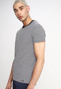 Mads Nørgaard - FAVORITE MINI THOR - T-Shirt print - black/white - 0