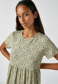 PULL&BEAR - Denní šaty - mottled dark green - 3