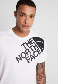 The North Face - SHOULDER LOGO TEE - Print T-shirt - tnf white - 3