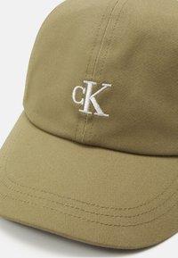Calvin Klein Jeans - MONOGRAM BASEBALL UNISEX - Cappellino - olive/khaki - 3