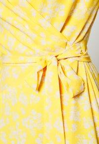 Lauren Ralph Lauren - PRINTED DRESS - Denní šaty - true marigold - 5
