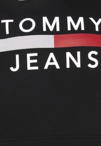 Tommy Jeans Plus - PLUS REFLECTIVE FLAG HOODIE - Collegepaita - black - 2