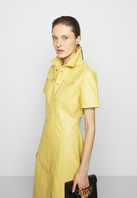 Proenza Schouler White Label - DRESS - Paitamekko - citron - 3