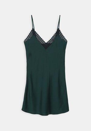 GOLLY NUISETTE - Nattskjorte - vert