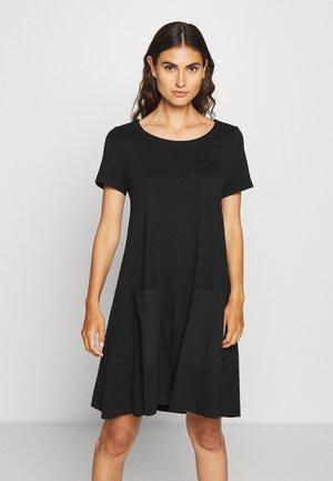 OVERSIZE MIX - Vestito di maglina - black