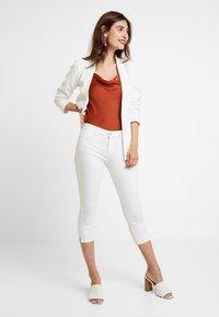 Esprit - MR SKINNY - Denim shorts - white - 1