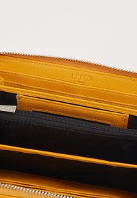 L. CREDI - FILIPPA - Wallet - yellow - 2