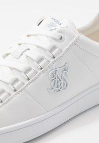 SIKSILK - PRESTIGE LOW - Trainers - white - 5