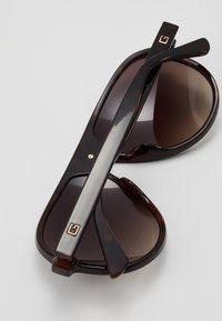 Guess - Sluneční brýle - black - 5