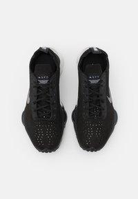 Nike Sportswear - ZOOM TYPE - Sneakers laag - black/summit white - 6