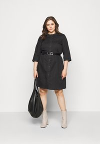 ONLY Carmakoma - CARCHICAGO LIFE  - Denim dress - black - 1