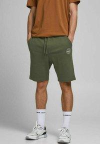 Jack & Jones - 2 PACK - Shorts - olive night - 3