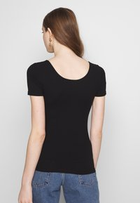 Pieces - NOOS  - T-shirts med print - black - 2