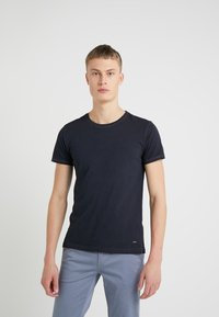 BOSS CASUAL - TROY - Jednoduché triko - dark blue - 0