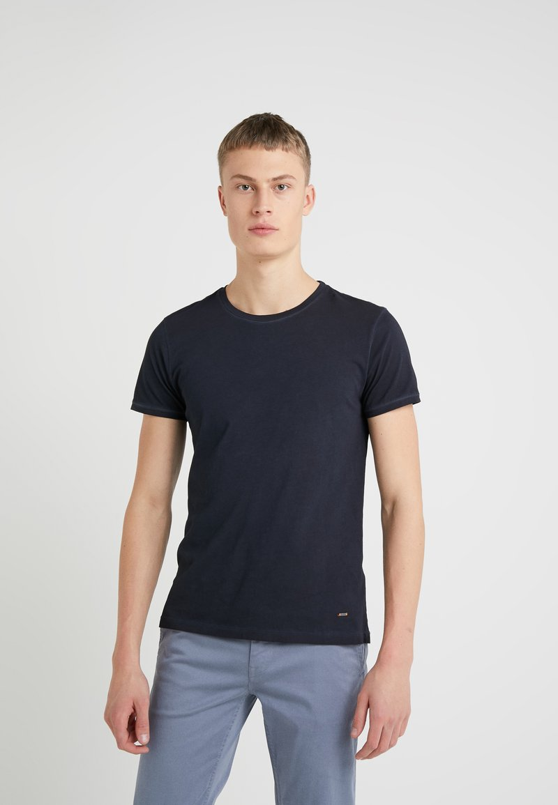 BOSS CASUAL - TROY - Jednoduché triko - dark blue