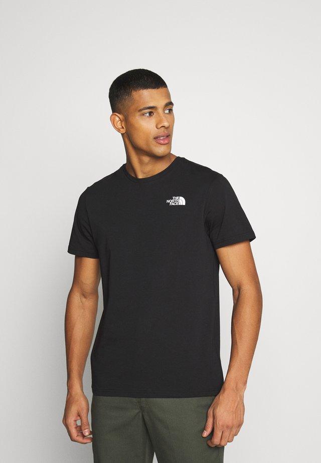 SLANTED LOGO TEE - T-shirt imprimé - white