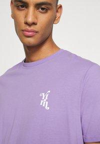 YOURTURN - UNISEX - T-shirt med print - purple - 4