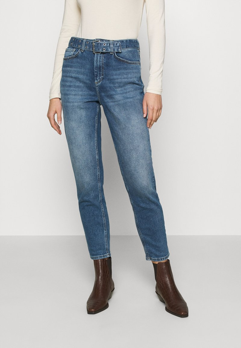 ONLY - ONLVENEDA LIFE MOM BELT - Relaxed fit jeans - dark blue denim