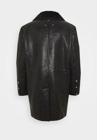 Be Edgy - BEJORDAN - Klasický kabát - black - 1