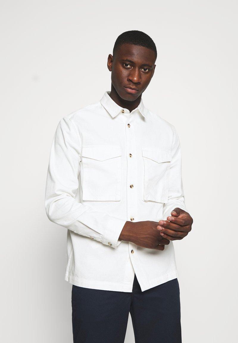 Topman - SUSTAINABLE - Košile - off white