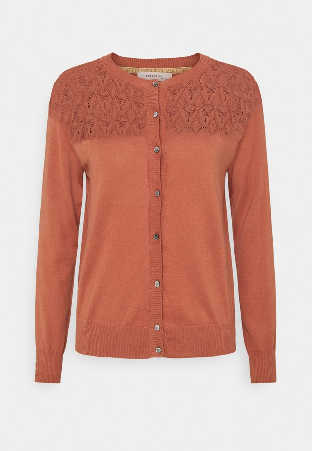 ESSENTIAL - Strikjakke /Cardigans - copper brown