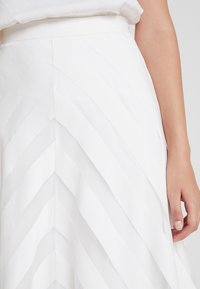IVY & OAK BRIDAL - VOLANT SKIRT - Maxi skirt - snow white - 4