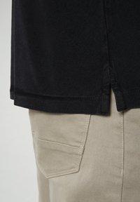 Napapijri - ELBAS - Polo shirt - black - 4