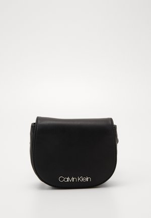 CHAIN BELT BAG - Gürteltasche - black