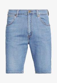 Wrangler - TEXAS FIT - Szorty jeansowe - blue - 5