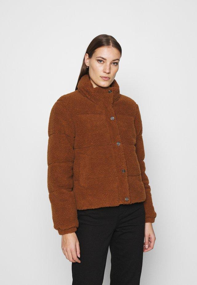 MILLE PUFFER - Winter jacket - almond