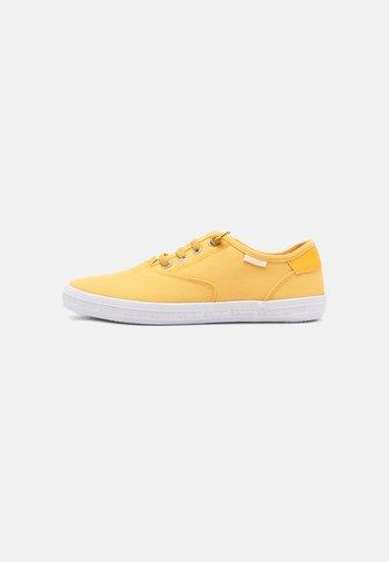 NITA - Tenisky - yellow