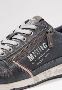 Mustang - Trainers - navy - 5
