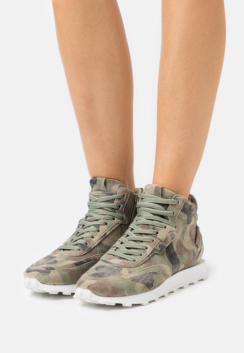Kennel + Schmenger - ICON - Sneakers hoog - oliv