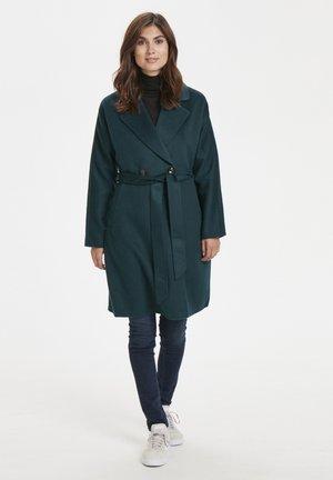 Short coat - ponderosa pine
