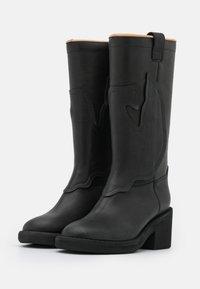 MM6 Maison Margiela - STIVALE - Cowboy/Biker boots - black - 2