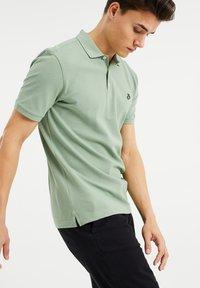 WE Fashion - Poloshirt - light green - 3