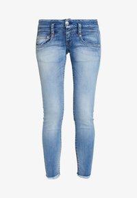 Herrlicher - PITCH SLIM CROPPED - Jeans Slim Fit - navy blue - 4