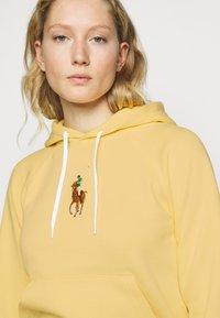 Polo Ralph Lauren - SEASONAL - Hoodie - banana peel - 3