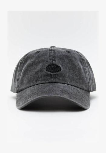 BASIC - Cap - black