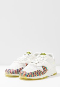 Scotch & Soda - VIVEX - Tenisky - white/rainbow mix - 2