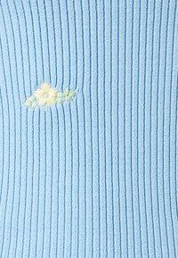 ONLY - ONLLILLI - Print T-shirt - cashmere blue - 2