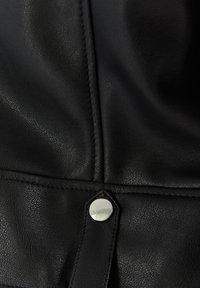 Bershka - Bunda zumělé kůže - black - 5