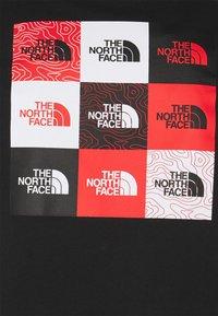 The North Face - MULTI BOX TEE - T-shirt print - black - 2
