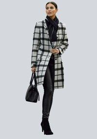 Alba Moda - Classic coat - hellgrau schwarz - 1