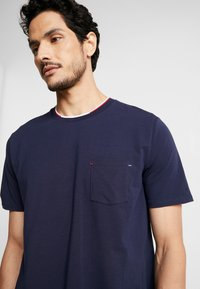 Lacoste - Pyjamas - navy blue - 3